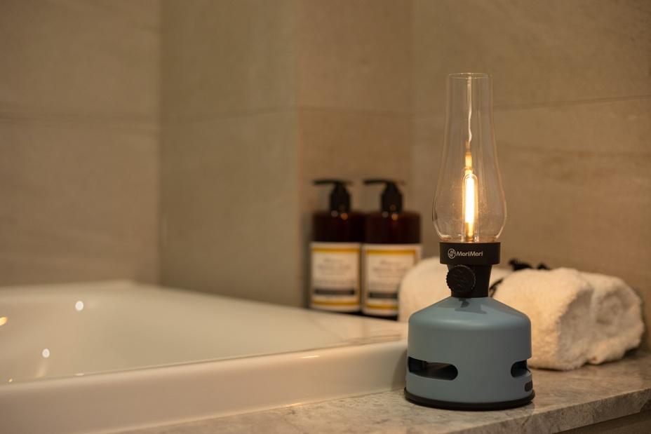 led-lantern-speaker-pale-breeze-fragrent-spa